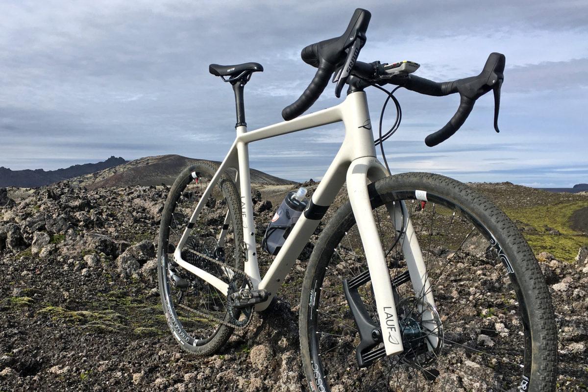 Lauf-Grit-SL_carbon-leaf-spring-30mm-lightweight-gravel-road-bike-suspension-for.jpg