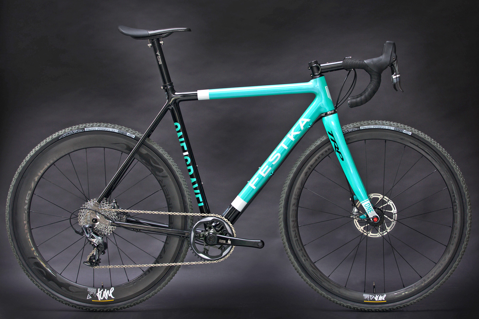 Festka_ONE-Gravel_carbon_disc-brake_custom-gravel-road-cross-cyclocross-bike_complete.jpg
